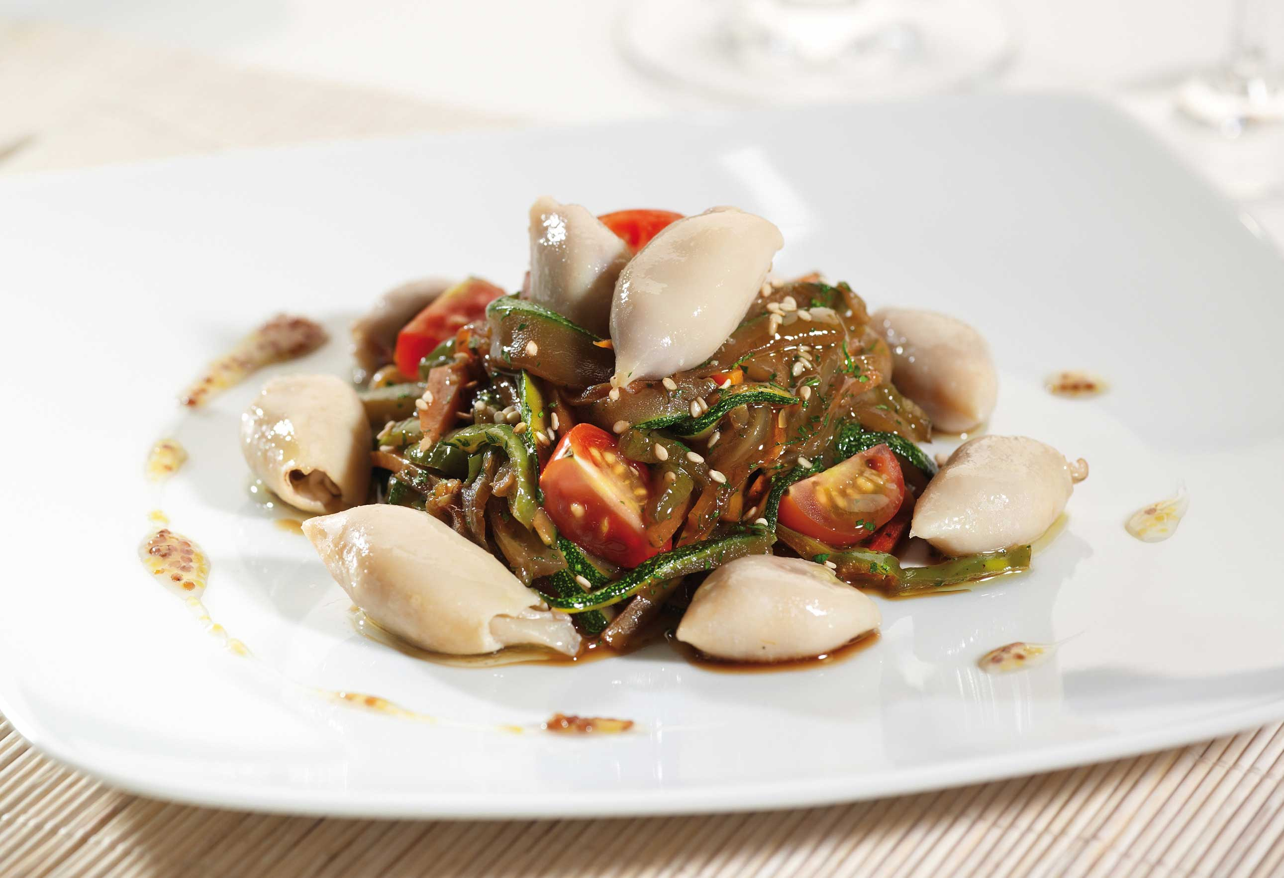 Vegetables sautéed with squid