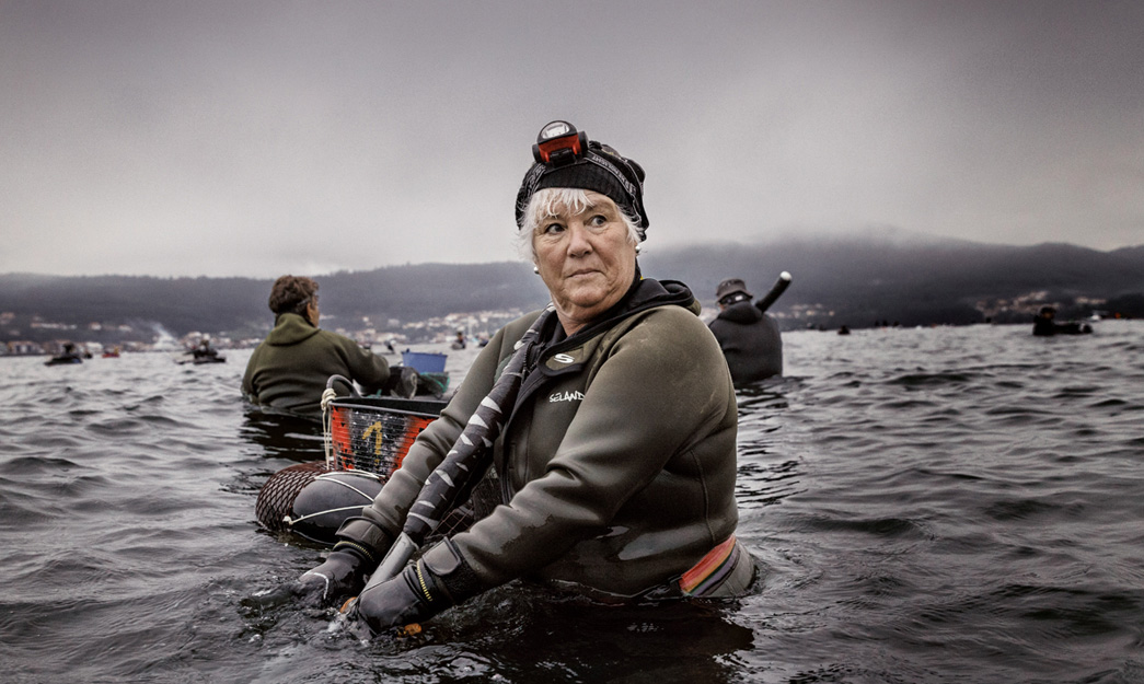 Shell fisherwomen on foot: the Galician warriors