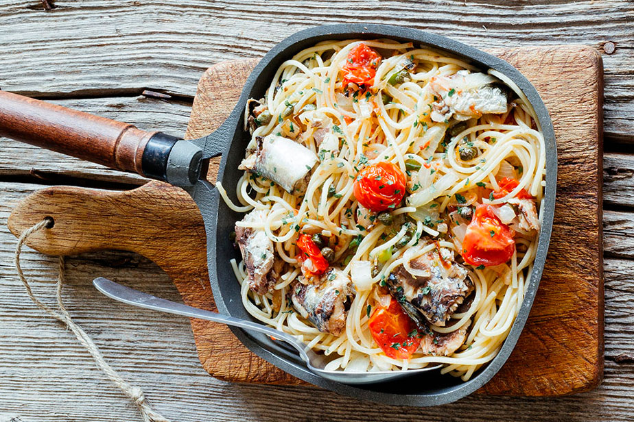 Sauteed spaghetti with canned sardines